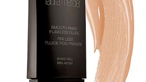 Game Changer: This Foundation Makes Skin Look Airbrushed | StyleCaster