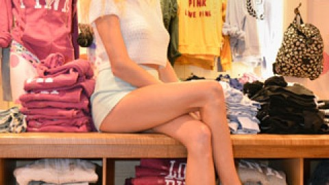 3 Steps to Faking Flawless Legs   StyleCaster