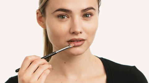 Watch: How to Overdraw Lips in Under a Minute | StyleCaster