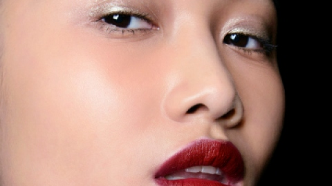 """Ask Us: """"Can I Use Lipstick as Eyeshadow?"""" 