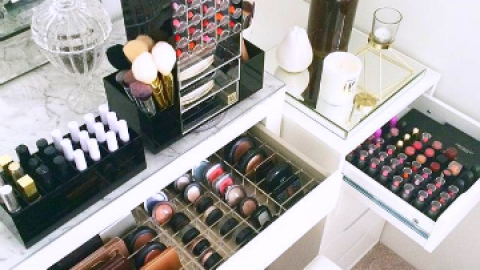 10 Steps to a Decluttered Beauty Life | StyleCaster