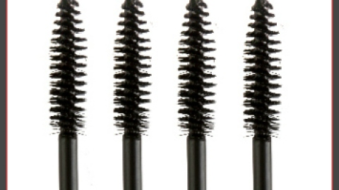 5 Unexpected Uses for Mascara Wands | StyleCaster