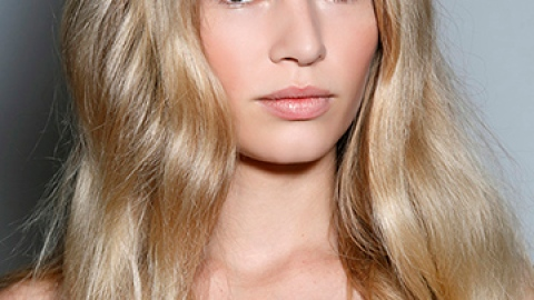 5 Ways to Mix Your Hair Products | StyleCaster