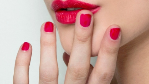 What Can Your Nails Tell You About Your Health? | StyleCaster