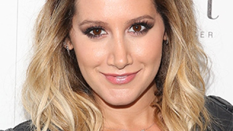 News: Ashley Tisdale Goes Blue; How to Get the Haircut You Want | StyleCaster