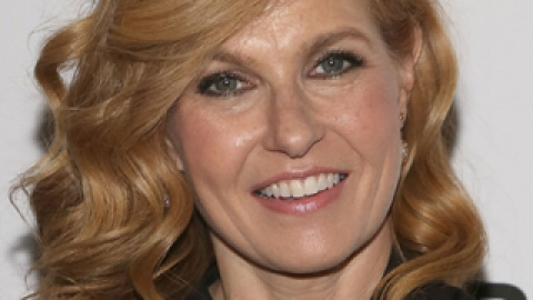 News: Connie Britton's Unfortunate Haircut; Tips for Gorgeous Legs   StyleCaster
