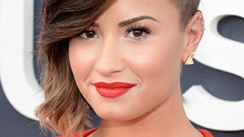 News: Demi Lovato's Beauty Gig; How to Get the Perfect Messy Bun | StyleCaster