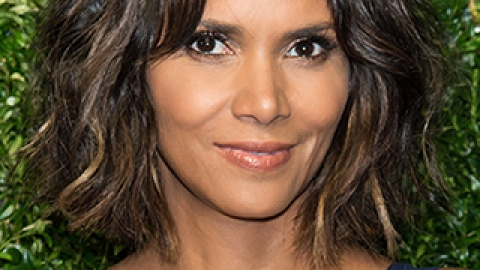 News: Halle Berry Explains Her Hair; How to Curb Nighttime Eating | StyleCaster
