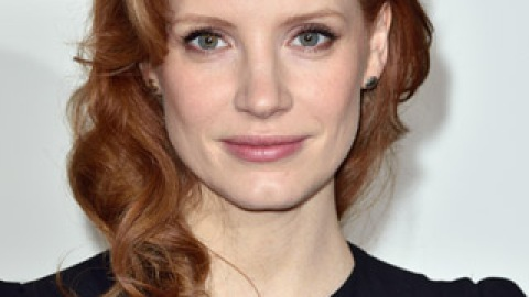 News: Jessica Chastain Goes Shorter; 10 Ways to Moisturize in the Shower | StyleCaster