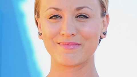 Kaley Cuoco Joins the Pink Hair Club | StyleCaster