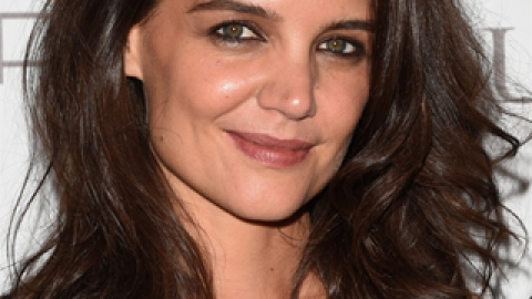News: Katie Holmes Talks Beauty Lessons; Gisele for Chanel No. 5 | StyleCaster