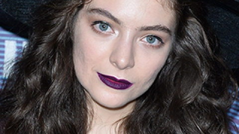 News: Lorde's Hair Secrets Revealed; MAC Meets Fashion Once Again | StyleCaster