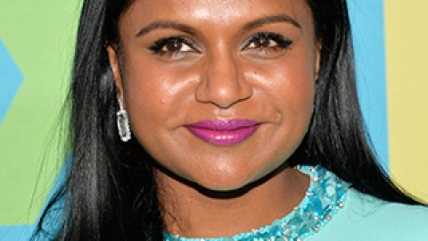 News: See Mindy Kaling's New Haircut; The Science Behind Blonde Hair | StyleCaster