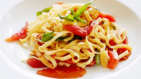 News: A Healthy Revelation About Pasta; How to Treat a Pimple Quickly | StyleCaster