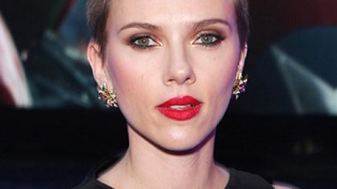 Scarlett Johansson Returns to Red | StyleCaster