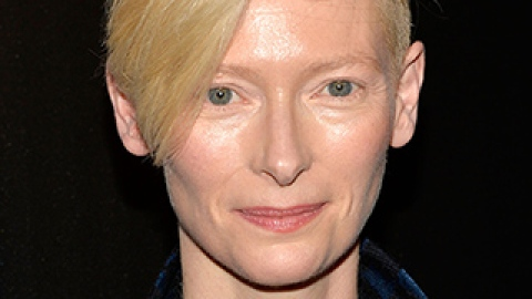 News: Tilda Swinton Gets a Mom Makeover; Beauty Uses for Ordinary Objects | StyleCaster