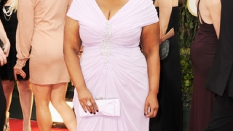 Octavia Spencer Wears 3 Pairs Of Spanx! | StyleCaster