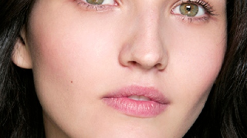 How an All-Oil Skin Care Routine Can Give You Clear Skin | StyleCaster