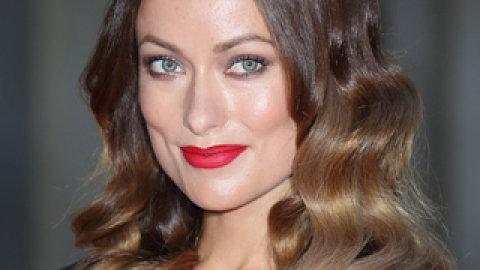 Olivia Wilde's Lipstick is the Perfect Fall Transition Shade   StyleCaster