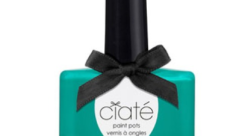 The 10 Best Holiday Nail Polishes   StyleCaster