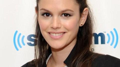 Get The Look: Rachel Bilson's Half-Up Hairstyle | StyleCaster