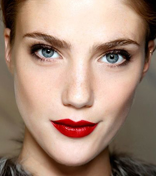 15 Perfectly Timeless Red Lipstick Looks