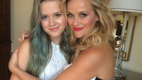 Reese's Adorable Mother-Daughter Beauty Moment | StyleCaster
