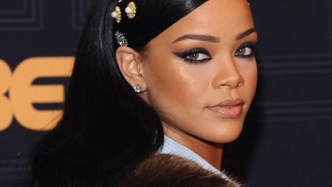 News: Rihanna Dons Hair Jewels   StyleCaster