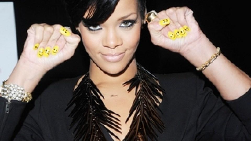 Rihanna's Routine: Shellac Nails & Emergency Waxes | StyleCaster