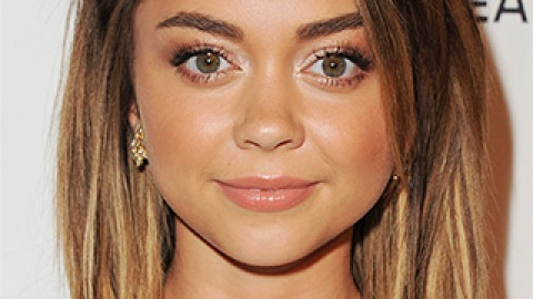 News: Sarah Hyland Rocks Rainbow Tips at Coachella; Guide to Relief from Excessive Sweating | StyleCaster