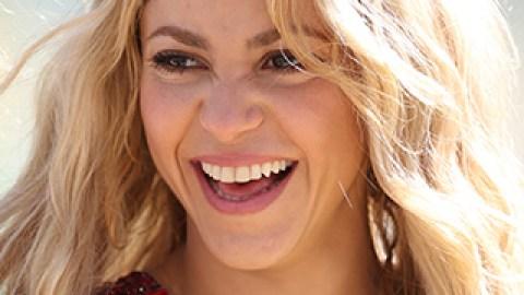 The Secret Behind Shakira's Effortless Waves | StyleCaster