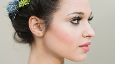 7 Gorgeous Wedding Hairstyles for Short Hair   StyleCaster