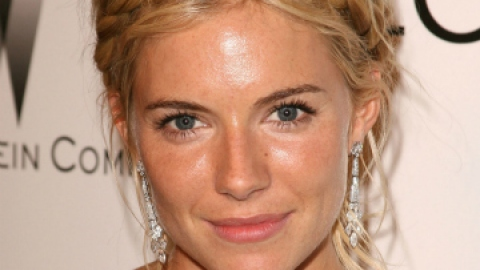 News: Sienna Miller is a Redhead | StyleCaster