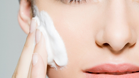 The 10 Best Skin Soothers for Sensitive Skin | StyleCaster