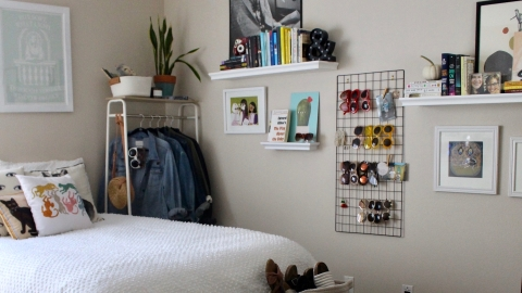 5 Easy (and Very Cute!) Ways to Make Your Small Bedroom Feel Like Home | StyleCaster