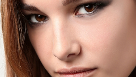 How to Get a Smudge-Free Smokey Eye   StyleCaster