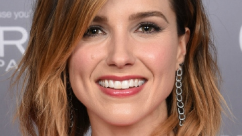 10 Holiday Beauty Tips from Sophia Bush | StyleCaster
