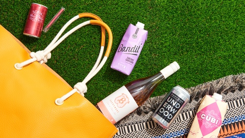 The Best Summer Wines To-Go—From Cans and Cartons to Twist-Offs   StyleCaster