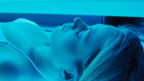 NY Plans To Extend Ban on Teen Tanning   StyleCaster