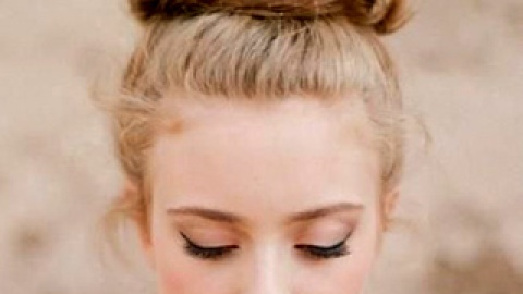15 Top Knot Hairstyles from Pinterest | StyleCaster