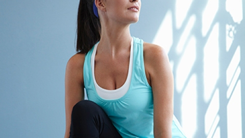 Workouts You Can Do While Watching TV   StyleCaster