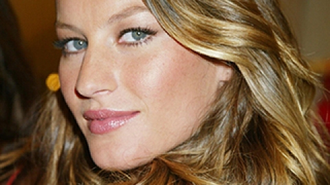 The Most Iconic Wavy Hairstyles | StyleCaster