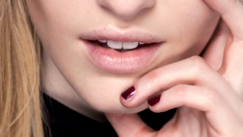 The Truth About Chapped Lips | StyleCaster