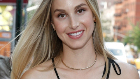 Whitney Port's Shares Her Beauty Philosophy   StyleCaster
