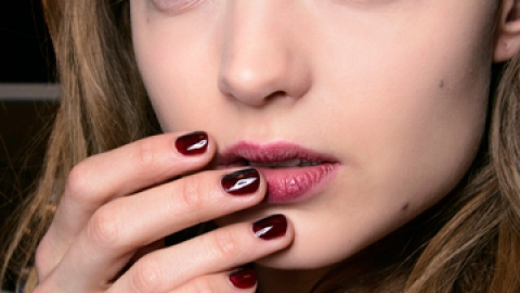 The 16 Most Perfect Winter Nail Polishes | StyleCaster