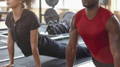 Should You Try A Couples Workout? | StyleCaster