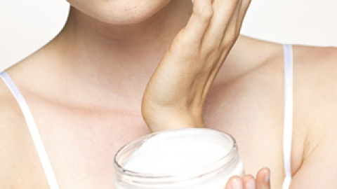 You're Doing It Wrong: Applying Moisturizer | StyleCaster