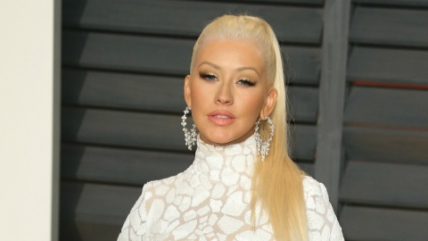Christina Aguilera Just Dyed Her Hair Very, Very Red | StyleCaster