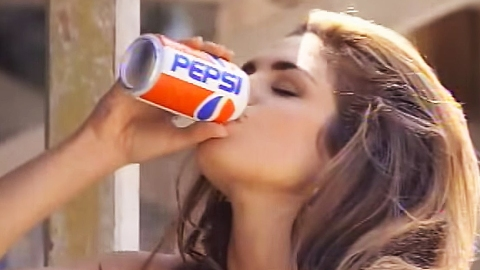 Pepsi Just Released a Remake of That Iconic Cindy Crawford Commercial | StyleCaster