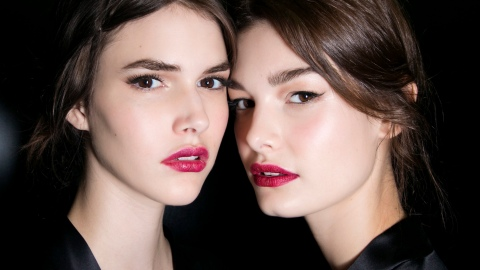 The 5 Best Kiss-Proof Lipsticks, According to the Internet   StyleCaster